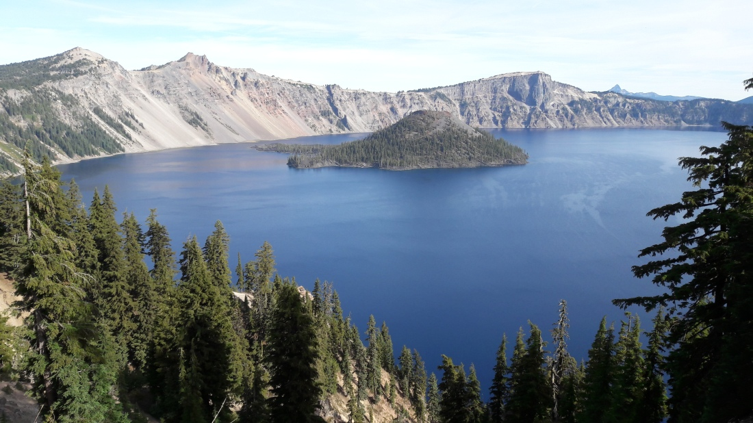 lake-oregon-crater-island-tree-mountain-1460799-pxhere.com (1)
